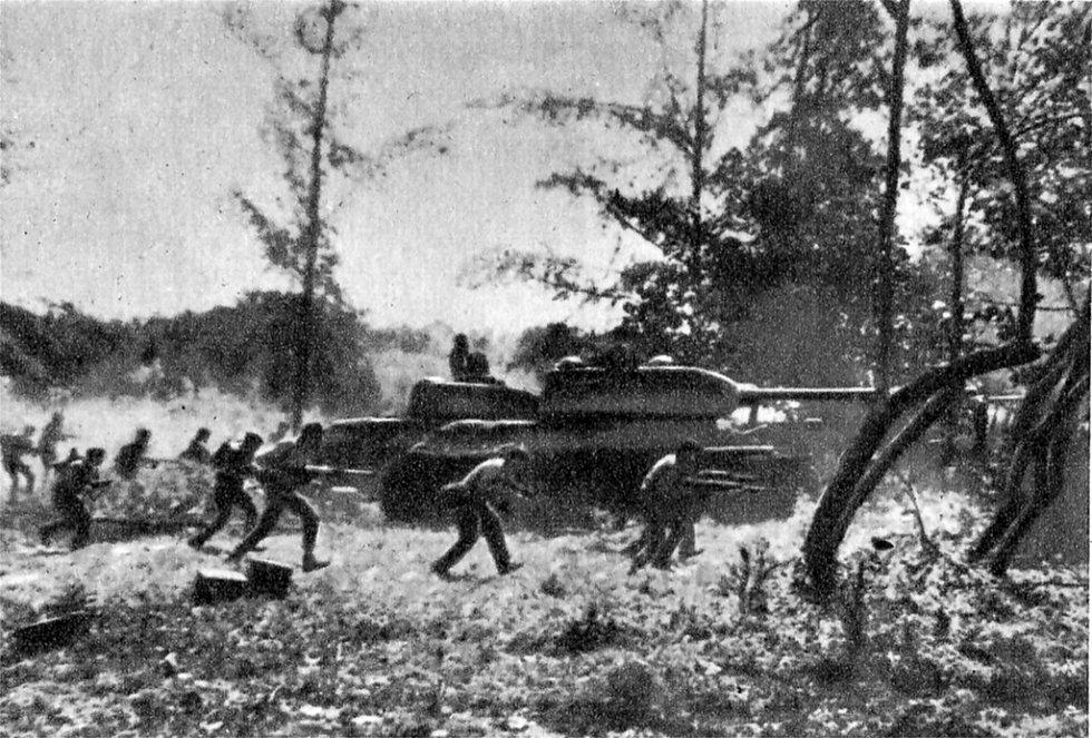 Protiútok kubánských vojáků podporovaný tanky T-34 poblíž pláže Giron během invaze do Zátoky Prasat dne 19. dubna 1961