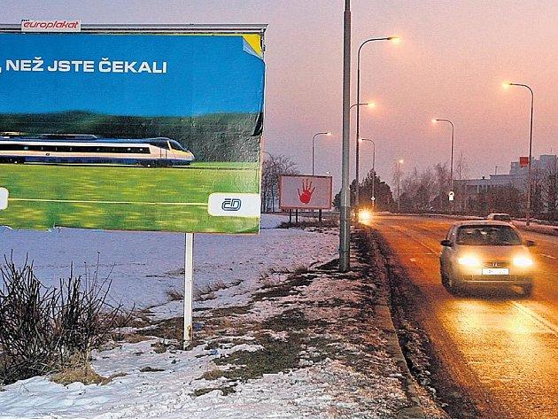 PODLE NOVELY by billboardy mohly zmizet t našich dálnic do pěti let.