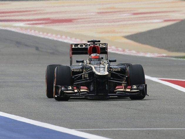 Kimi Räikkönen ovládl tréninky na Velkou cenu Bahrajnu.