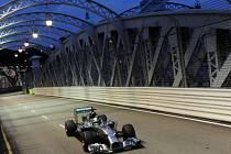 Lewis Hamilton v kvalifikaci na Velkou cenu Singapuru.