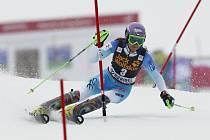 Šárka Strachová ve slalomu SP v Méribelu.