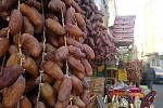 Odrůda datlí Daglet el Nour (prsty světla) je považována za nejlepší na světě. Roste v okolí města Tozeur.