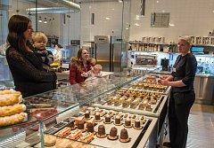 K Cukráři Skálovi chodí lidé hlavně pro tradiční zákusky – ale prvotřídní kvality