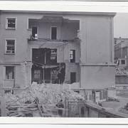 Emauzský klášter a bývalé Ministerstvo sociální péče po bombardování Prahy ze 14. 2. 1945