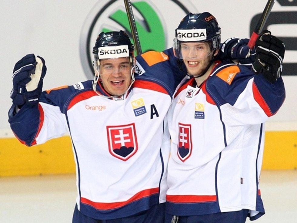 Hokejisté Slovenska zvítězili v Praze 3:2.