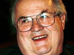 Zemřel výrazný herec vedlejších rolí Bronislav Poloczek.