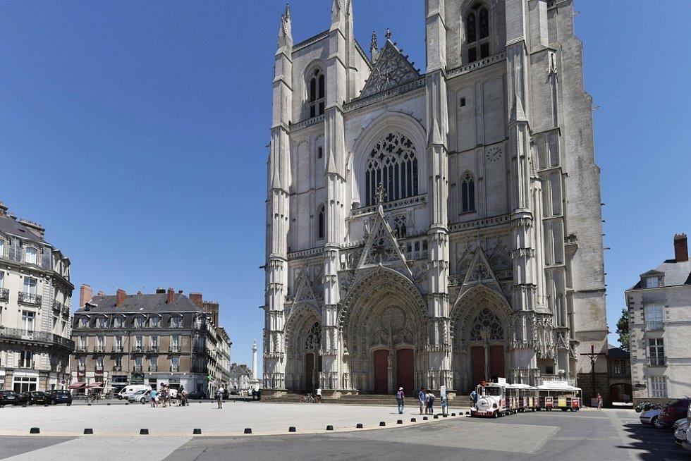 Katedrála ve francouzském městě Nantes - Ilustrační foto