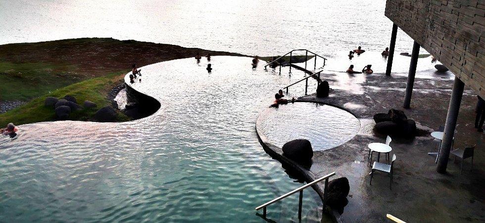 Lázně Husavík, kde si můžete odpočinout po náročném pozorování velryb