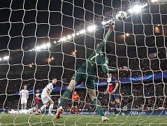 PSG - Chelsea: Tak Petr Čech inkasoval první gól