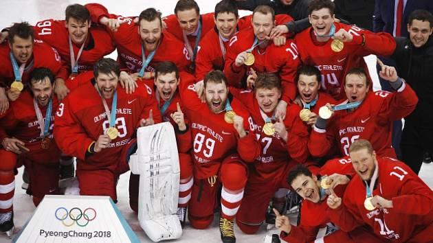 Hokejisté Ruska slaví zlato na olympijských hrách v Pchjongčchangu.