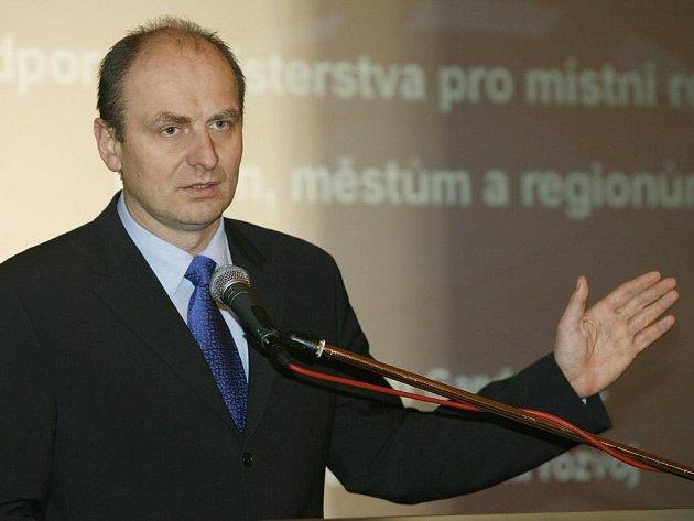 Ministr zemědělství Petr Gandalovič