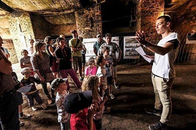 Návštěvníkům Cukrkandlu bylo zpřístupněno ipodzemí, kam mohli zavítat na komentovanou prohlídku.