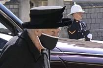 Královna Alžběta II. na pohřbu svého manžela, prince Philipa.