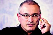Někdejší ropný magnát Chodorkovskij, který zavítal na návštěvu do ČR, znovu promlouvá do politiky a nevylučuje prezidentské ambice.