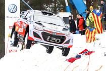 Thierry Neuville na trati Švédské rallye.