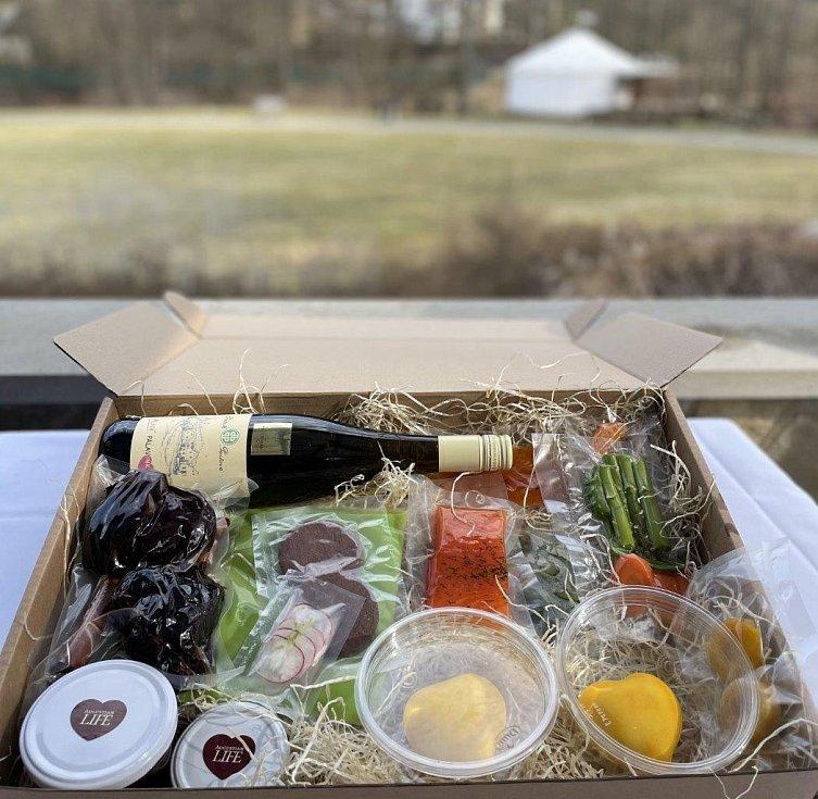 Velikonoční menu box z Wellness & spa hotelu Augustiniánský dům v Luhačovicích.