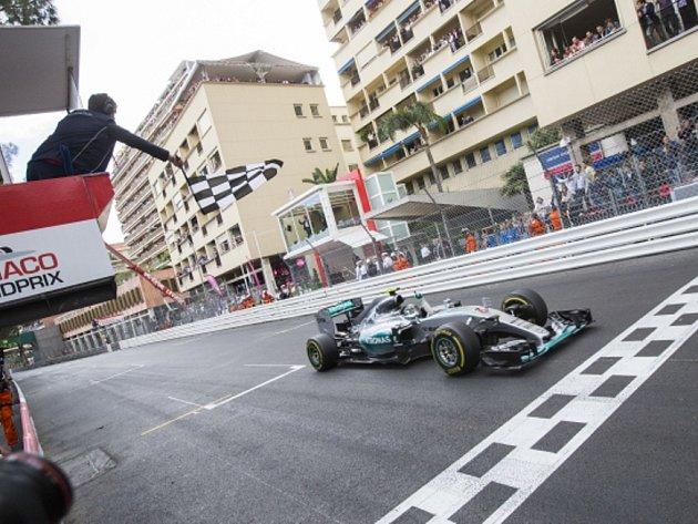 Velká cena Monaka: Nico Rosberg byl v cíli první