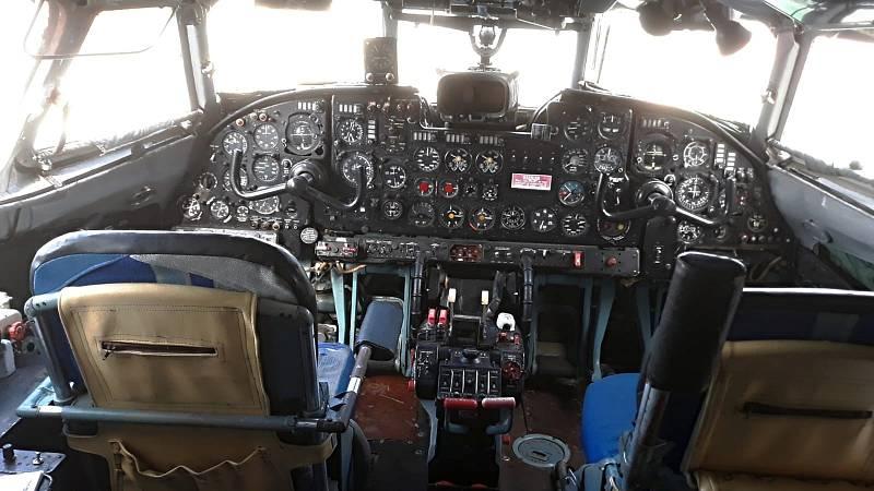 Návštěvníci Air Parku ve Zruči si mohou prohlédnout mimo jiné i armádní dopravní letadlo AN-24V