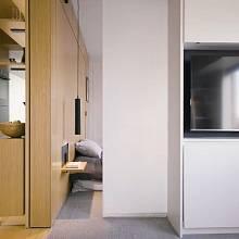 Posuvné dveře do ložnice jsou automatizovány