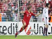 Thomas Müller z Bayernu Mnichov se z gólu proti Chelsea ve finále Ligy mistrů.