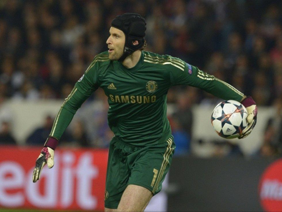 Petr Čech se o post brankářské jedničky v Chelsea nebojí. Tvrdě na sobě dře.