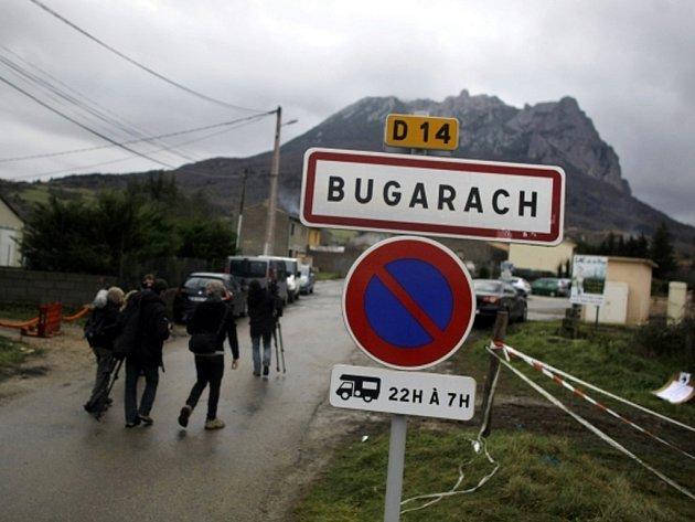 Vesnice Bugarach na jihu Francie.