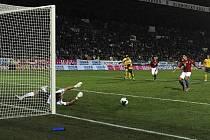 Milan Baroš nedal v prvním poločase penaltu, i proto Česká republika prohrála s Litvou 0:1.