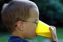 Pro život člověka je voda nepostradatelná. U malých dětí však ještě o něco víc. Jejich tělo je totiž tvořeno vodou ze sedmdesáti procent.
