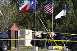 Útočník v Texasu střílel do návštěvníků kostela.