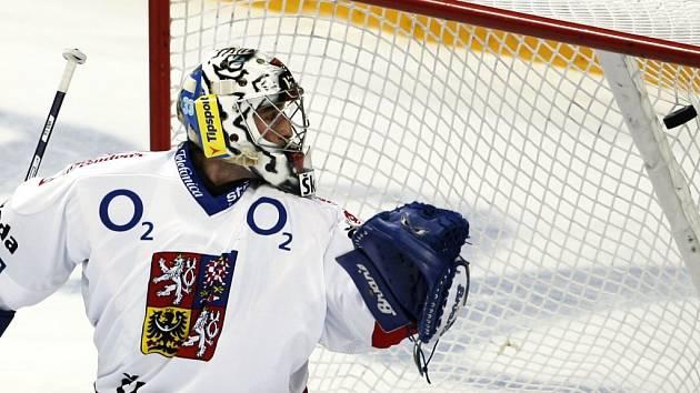 Gólman Hnilička inkasuje jeden z finských gólů