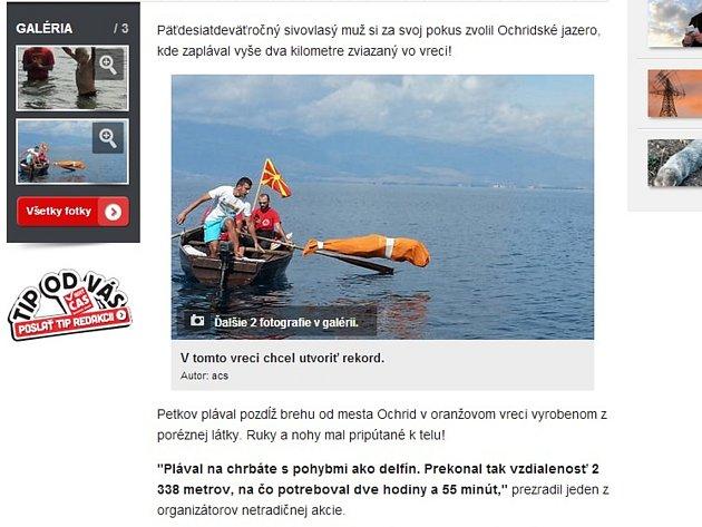 Devětapadesátiletý Bulhar Jane Petkov uplaval více než dva kilometry v jezeře zcela zavázaný do pytle ve snaze vytvořit rekord hodný zapsání do Guinnessovy knihy rekordů.