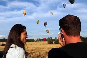 Vyhlídkový let balonem trvá přibližně 1 hodinu a s pasažéry se podíváme třeba až do výšky 1000 metrů