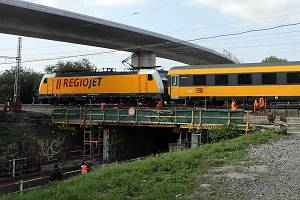 Nové trasování dálkových vlaků přes Havlíčkův Brod přinese prodloužení jízdní doby zhruba o 30 minut.