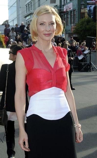Netrpělivě očekávaná premiéra blockbusteru Hobit: Neočekávaná cesta se odehrála 28. listopadu v Embassy Theatre v novozélanském Wellingtonu. Na snímku elfka Galadriel - Cate Blanchett