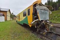 Poničený vlak po nehodě u Perninku