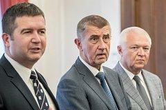 Andrej Babiš a Jan Hamáček podepsali 10. července koaliční smlouvy o spolupráci ANO a ČSSD ve vládě.