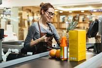 Prodavačka, pokladní - Ilustrační foto