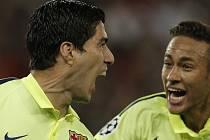 PSG - Barcelona: Radost Luise Suáreze a Neymara