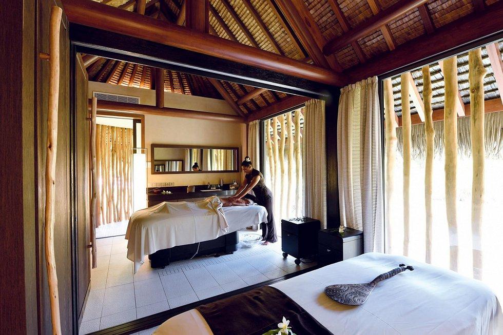 Zakoupením ostrova a vybudováním luxusního resortu si hollywoodský herec Marlon Brando splnil svůj sen.