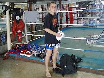 Mistr republiky v thajském boxu Michal Krčmář.