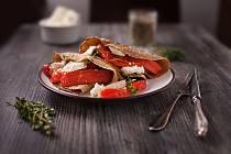 Čočkové palačinky s pečenou paprikou
