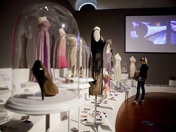 Výstava Marilyn byla zahájena 29.května vJízdárně Pražského hradu.