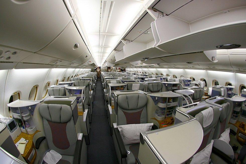 4. Airbus A380-800 - byznys třída u aerolinek Emirates