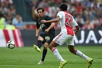 Ajax - Jablonec: Jairo Riedewald a Ruslan Mingazov (vlevo)