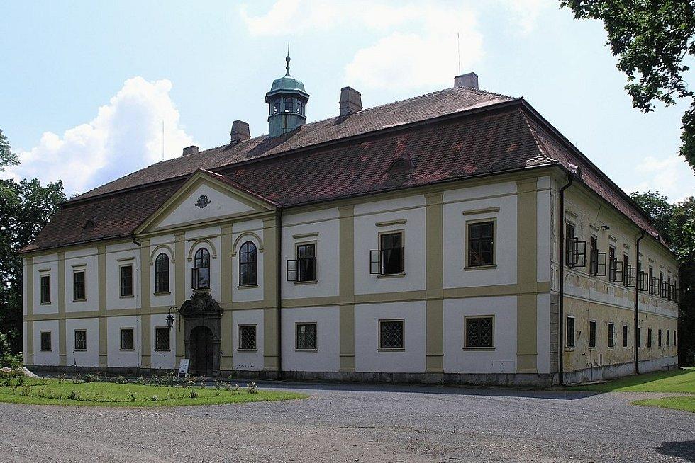 Českému šlechtickému rodu Dobřenských, z něhož pocházela Alžběta, patřilo panství Chotěboř