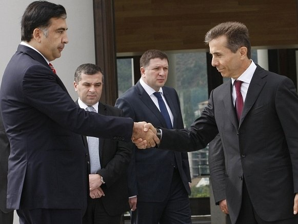 Micail Saakašvili (vlevo) a Bidzina Ivanišvili