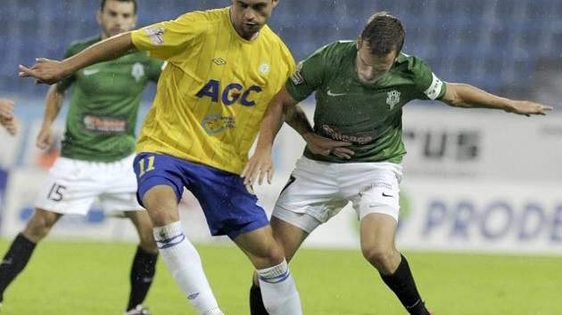 Utkání 6. kola první fotbalové ligy: FK Teplice - Baumit Jablonec, 31. srpna v Teplicích. Zleva teplický Alen Melunovič a Filip Novák z Jablonce.