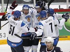 Hokejisté Finska porazili ve čtvrtfinále světového šampionátu v Helsinkách USA těsně 3:2.