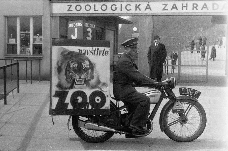 Pojízdná reklama na Zoo Praha