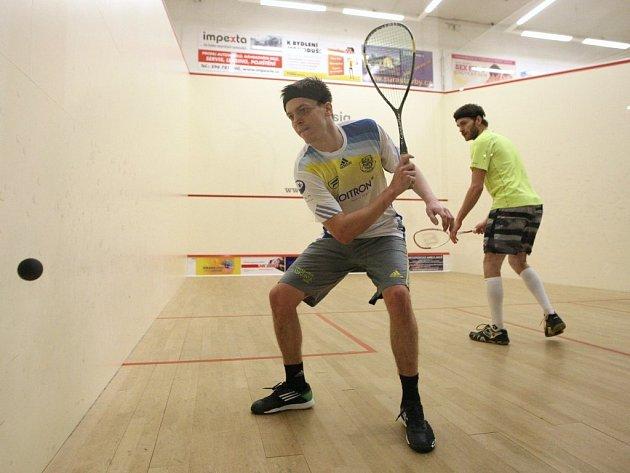 Nejlepší český squashista Jan Koukal zakončil sezonu porážkou v semifinále bratislavského Imet Open.